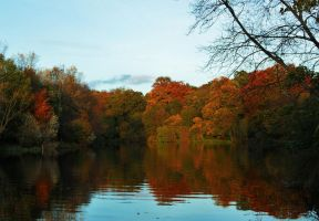 Autumn Colours on the Thames by PhilsPictures