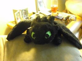 TOOTHLESS PLUSH by fullmetal-mustang