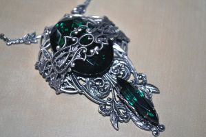 Emerald filigree necklace by EvelineVdp