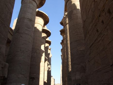 hypostyle hall by Chauve-Souris