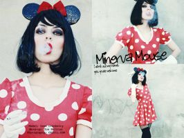 Minerva Mouse by chipil