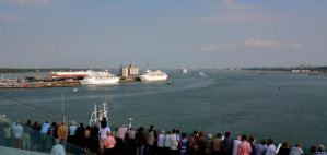 Sailing out of Southampton 02 by abelamario