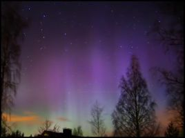 Northern lights II by FrozenMoon