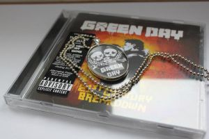 Green Day Necklace by aquite
