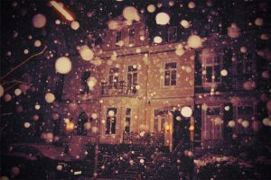 Winter never leaves by Holunder