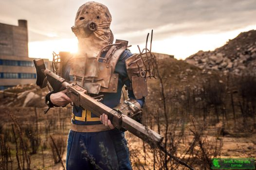 Fallout 4 Lone Wanderer (raider set) Costume by Corroder666