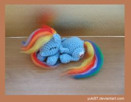 Sold: Sleeping Rainbow Dash by Yuki87