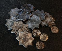 Pile of drow coins by Zidra