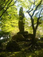 Monument in the greens by KazeShirogane