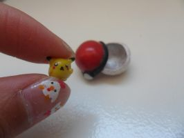 Very tiny pikachu with a openable pokeball by pokeklay