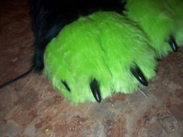 finished foot paws by xxWolfxxChickxx