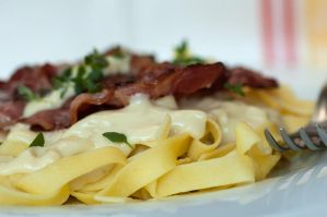 Pasta with cheese sauce I by SamanthaClara