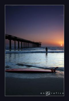 Lonely Surfer by engrafico