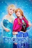 FROZEN - Elsa and Anna by nyaomeimei