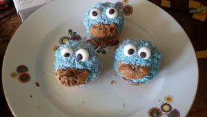 Cookie Monster (Cupcakes) by MissPrimrosy