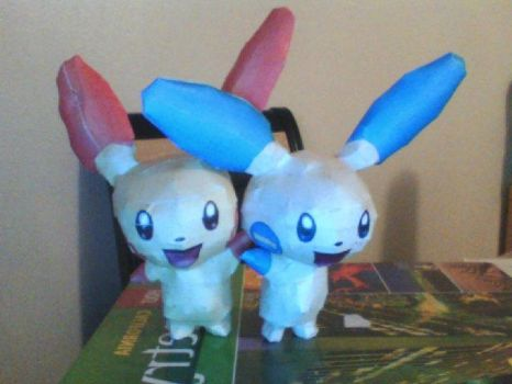 Plusle and Minun Papercraft~ by Devumaru