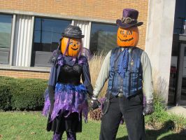 Gourdon and Zuccia Pumpkinhead 2015 - 1 by Windthin