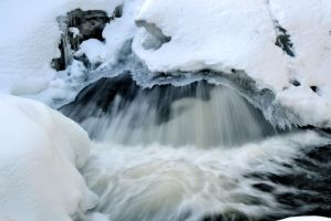 Winter Mini Falls by bradhib