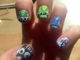 My Neighbour Totoro nails by InvaderLia