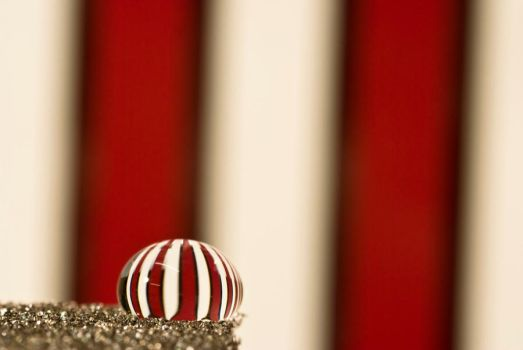 Candy cane droplet by pqphotography