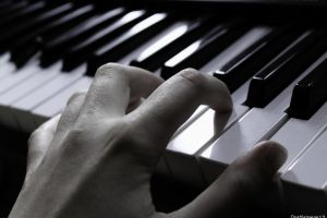 A Pianist's Fingers by deathroman13
