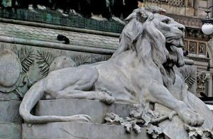 Lion statue by dnX90