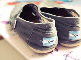 TOMS by Jlukebruh