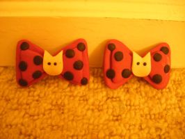 Black and Pink Hair Bows by MadeByJanine