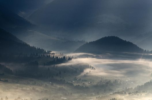 Foggy morning valleys 2 by empyrea1