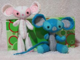 Two felt mice by AmyCook