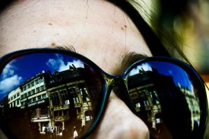 Reflect Rouen by microgrooves