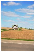 Leaning Barn of Wisconsin. by KrAzY-KARISTA