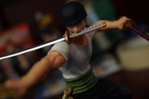Roronoa Zoro figuart battle ver. by MarikIshtarLove