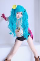 Miku Hatsune cosplay 15 by HoNeYbEeMai