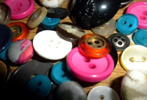Buttons by EveryDayIsNewToMe
