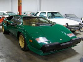 Lambo Countach in green N gold by Partywave
