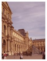 Louvre exterior by SeiMissTake