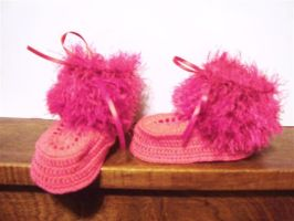 Fun Fur trimmed baby booties by Momtat31