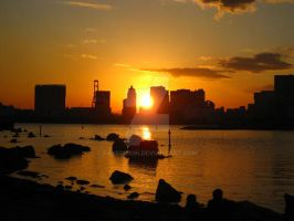 Odaiba beach at sunset by fayedilion