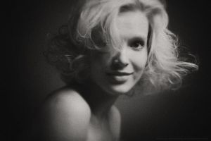 be Marilyn (bw) by Nodvikoff