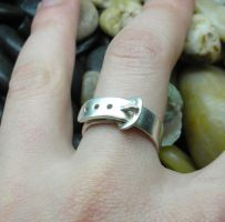 Buckle up - Silver ring by Vansee-Jewelry