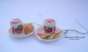 Pancakes with strawberry jam by anarniell