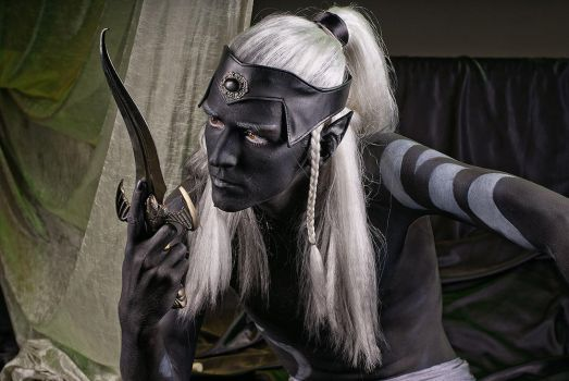 Drow by Nareiel