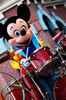 Drummer Mouse by LiamTown