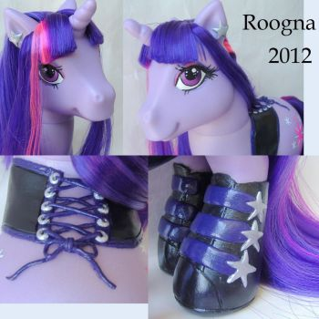 Goth Styling Twilight Sparkle Details by Roogna