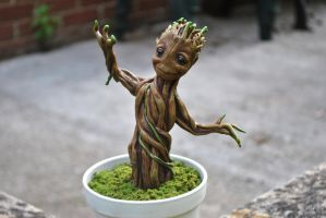 Baby Groot by ApostacyArt